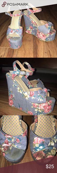 Forever 21 floral wedges Hello spring! Floral wedges Forever 21 Shoes Wedges