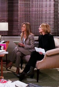 Another example of what I what my business inspired outfit to look like Estilo Rachel Green, Rachel Green Style, Rachel Green Friends, Rachel Green Outfits, Jennifer Aniston Style, Jenifer Aniston, Work Fashion, 90s Fashion, Friend Outfits