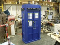 How To Build Your Own Tardis Bookcase....with lights and sound!