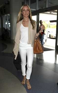 kristin cavallari-- chic travel outfit with a beautiful bag!