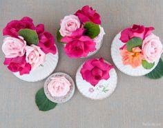 DIY Rose Centerpiece ~ Using vintage china pieces #party #decor