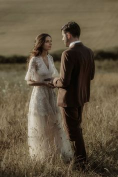 Tuscany countryside elopement ceremony | Image by The Ferros Destination Wedding Inspiration, Elopement Inspiration, Destination Wedding Photographer, Nicholas Sparks Movies, Beautiful Wedding Venues, Italy Wedding, Tuscany, Wedding Blog, Artist