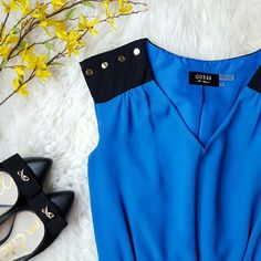 """{Guess} V-Neck Color Block Sleeveless Dress -100% polyester  -Fully lined  -Ties at waist  -Gold buttons with """"Guess"""" written on them -Royal blue & black    by @alinasher Guess Dresses"""