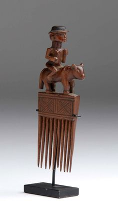 Africa | Comb from the Chokwe people of DR Congo | Wood