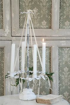 Need to paint my red Advent wreath holder. This is beautiful!