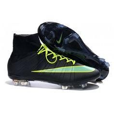 new style 8dcd8 1a638 Fabriquée par Nike pour une vitesse explosive sur terrain sec, la chaussure  de football Nike