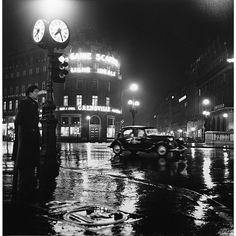 10 Beautiful Images of 1930s Paris