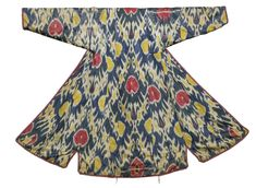 Antique Central Asian Uzbek ikat robe. Traditional uzbek ethnic silk Ikat textiles. Vegetable dyes. Last quarter 19th century. Size is 4ft. 4in. and 4ft. 2in. (1.32 and 1.27m.)