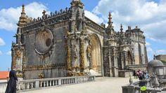 #Portugal, 15 endroits qu'il ne faut absolument pas rater - via Huffington Post 09.08.2015 | En effet le pays regorge de paysages à couper le souffle et possède également quelques monuments religieux et historiques incontournables que nous avons décidé de lister ici pour vous aider à ne rien manquer lors de votre découverte du Portugal. Photo: Couvent du Christ, Tomar