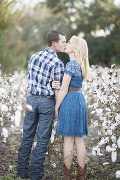 A Dreamy Cotton Field Engagement| Photo by: Holly Frazier Photography