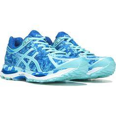 Asics Running Shoes, Asics Shoes, Running Sneakers, Converse Shoes, Cute Shoes, Me Too Shoes, Running Fashion, Workout Shoes, Blue Ribbon