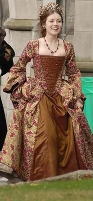 Thank you, Showtime, for not portraying Mary Tudor as a grouchy, dark troll. Sarah Bolger was a breath of fresh air.