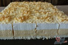 "de The post Cake ""Icy Sky"" Top-Rezepte.de appeared first on Win Dessert. Cheesecake Recipes, Cookie Recipes, Dessert Recipes, Cheesecake Cookies, Lemon Roulade, Baguette Recipe, Great Desserts, No Bake Cookies, Food Cakes"