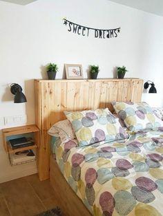 cabecero de palets con repisa Single Beds With Storage, Twin Storage Bed, Bed Frame With Storage, Tumblr Bedroom Decor, Bedroom Ideas, Boys Bedroom Colors, Wooden Bed Frames, Diy Sofa, Wood Bedroom