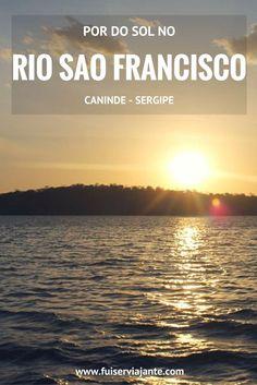 Sergipe. O passeio de catamarã pelos lagos de Xingó. Uma das mais lindas paisagens da viagem pelo Sergipe: assistir o por do sol nas águas do Rio São Francisco, a bordo do barco.