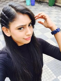 Beautiful Indian girls and actress thunder thighs sexy legs images and sexy boobs picture and sexy cleavage images and spicy navel images an. Cute Girl Photo, Girl Photo Poses, Girl Photography Poses, Girl Photos, Girl Pics, Hd Photos, Tv Actress Images, Niti Taylor, Front Hair Styles