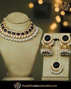 bridal jewelry for the radiant bride Fancy Jewellery, Stylish Jewelry, Fashion Jewelry, Indian Bridal Jewelry Sets, Bridal Jewellery, Jewelry Design Earrings, Ear Jewelry, Girls Jewelry, Jewelery