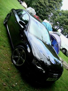Audi A4 2.0 Quattro TFSI Black Edition 211ps