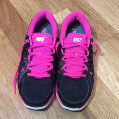 Nike Dual Fusion Run 2 Gym Shoes Almost new, worn only a few times they have just been siting in my closet. Non s,owing house, have had dryer sheets in them, no gross foot smell!! Nike Shoes Athletic Shoes