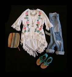 Tasha Polizzi Spring 2015  embroidered The Janis Cardigan with patchwork distressed denim rolled up jeans fringe Minnetonka sandals serape bag jewelry boho hippie outfit chic cowgirl style western fashion