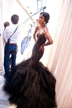 Look at that gown, mermaid and trumpet silhouettes accentuate curves perfectly.