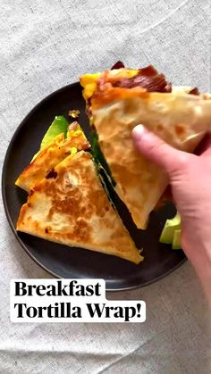 Breakfast Tortilla, Breakfast Dishes, Best Breakfast, Breakfast Recipes, Breakfast Ideas, Breakfast Quesadilla, Brunch Recipes, Appetizer Recipes, Diy Food