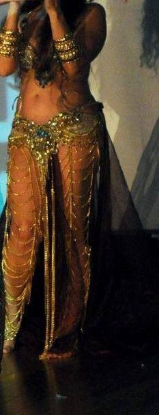♡ SecretGoddess ♡ www.pinterest.com/secretgoddess/ Bellydance gold costume. Luv the leg chains!