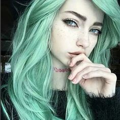 Sweet mint Green hair color - All For New Hairstyles Green Hair Dye, Mint Green Hair, Green Hair Colors, Dye My Hair, Your Hair, Green Hair Girl, Emo Hair Color, Mint Hair Color, Blue Green
