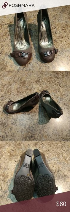 Gianni Bini Brown Wedges - Size 8M (NWOT) Beautiful Gianni Bini Brown wedges - brand new condition - never worn. Size 8M. Versatile medium brown Corduroy/leather with fashionable pewter colored buckles. Gianni Bini Shoes Wedges