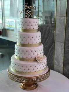 Best Wedding Cake Designs Images 2020 to Buy for Memorable Party Celebration with Everlasting Impact. Order Marriage Cake Online for Delivery in all Indian Cities. Cool Wedding Cakes, Wedding Cake Designs, Wedding Cake Embellishments, Wedding Couples, Our Wedding, Wedding Anniversary Cakes, Cake Name, White Cakes, Cake Online