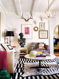 This is rockin'. Black white pink gold gallery wall... #decor