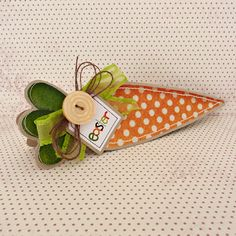 Easter carrot shaped card