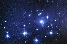Las Pleiades, M45, en Tauro, tal vez el cúmulo abierto mas famoso y uno de los que se pueden ver a simple vista. Con unos binoculares resulta asombroso.