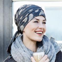 36cfea249fae Les 20 meilleures images du tableau foulards chimio sur Pinterest ...