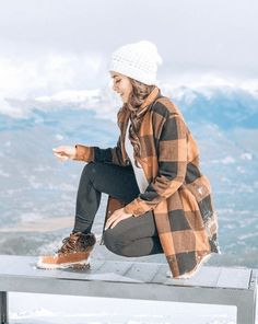 Wardrobe and style inspiring ideas for jogging this coming summer time. Wardrobe and style inspiring ideas for jogging this coming summer time. Hiking Boots Outfit, Winter Hiking Boots, Trekking Outfit, Hiking Boots Women Cute, Travel Clothes Women, Clothes For Women, Jogging, Climbing Outfits, Best Hiking Shoes