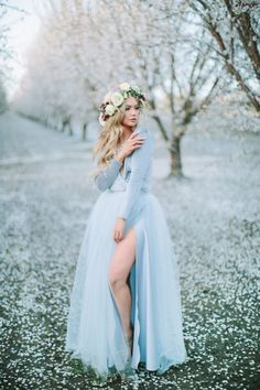 Floral Hair, Floral Crown, Casual Summer Outfits For Women, Spring Photography, Prom Photos, Boho Stil, Blue Wedding Dresses, Girl Photo Poses, Special Occasion Dresses