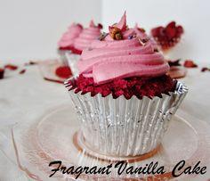 Fragrant Vanilla Cake: Raw Pink Velvet Cupcakes
