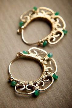 зеленый цвет в одежде, с чем носить зеленый жакет