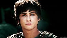 well that was very attractive. (GIF) love...his...eyes!!! they're actually green!!