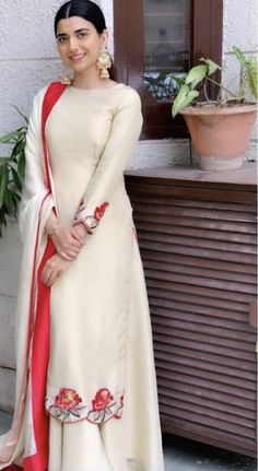Punjabi Suits Designer Boutique, Indian Designer Suits, Pakistani Outfits, Indian Outfits, Stylish Dresses, Fashion Dresses, Dress Design Sketches, Embroidery Suits Design, Lehnga Dress