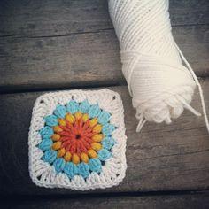 Starburst Flower Crochet Blanket