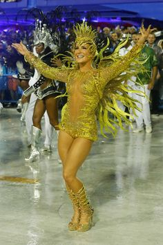 Claudia Leite marches in the parade on the Sambodromo during Rio Carnival on February 15, 2015 in Rio de Janeiro, Brazil.