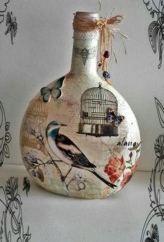 Karışık teknik Liquor Bottle Crafts, Wine Cork Crafts, Liquor Bottles, Bottles And Jars, Jar Crafts, Wood Crafts, Recycled Glass Bottles, Painted Wine Bottles, Painted Jars