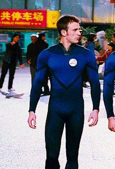 Capitan America Chris Evans, Chris Evans Captain America, Scott Lang, Robert Evans, Human Torch, Christian Bale, Liam Hemsworth, Fantastic Four, Guy Names
