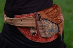 Pocket belt by Sandalamoon @ etsy