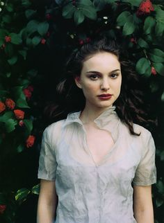 theaterforthepoor: Natalie Portman by Annie Leibovitz / 1999