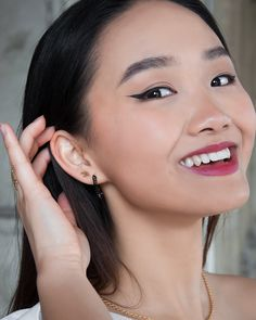 We love to see you smile 😁 You know what people say: You're never fully dressed without a smile!  We think that's absolutely true because a smile is the best accessory you can wear, besides your everyday Arion Jewelry favorites of course 😜 . . . . . . . . #arionjewelry #smiling #bestaccessory #wienliebe Korean Design, Handmade Design, Studs, Handmade Jewelry, Jewelry Design, Pearl Earrings, Smile, People, How To Wear