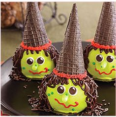 How cute are these? Are you having a Halloween party this year or does someone in your family have a birthday coming up? I love these can't wait to make them!