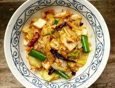 Sichuan Stir-Fry Cabbage 炝炒圆白菜 Fried Cabbage, Napa Cabbage, Pork Stir Fry, Chinese Food, Chinese Recipes, Asian Cooking, Pork Belly, Vegan Vegetarian