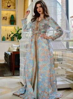 Morrocan Dress, Moroccan Caftan, Arabic Dress, Afghan Dresses, Dresses To Wear To A Wedding, Arab Fashion, Caftan Dress, Gowns Of Elegance, Ao Dai